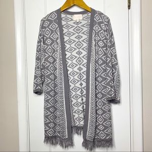 Skies are Blue grey aztec print fringe cardigan M